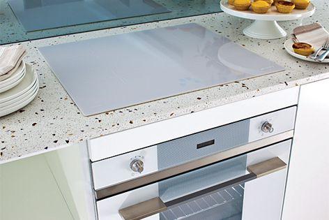 Linear appliances from Smeg