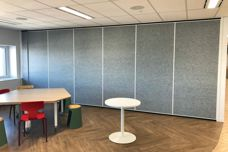 Acoustic operable walls and folding doors