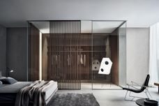 Spazio glass partition wall by Rimadesio