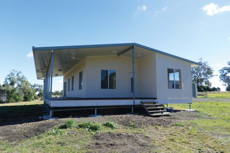This Queensland home incorporates the new insulated wall system from Superior Panel Construction.