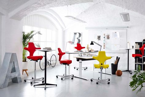 The Capisco sit/stand chair from Scandinavian Business Seating encourages movement throughout the entire time it is being used.
