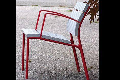 Neoliviano aluminium seats and benches are also available with timber slats.