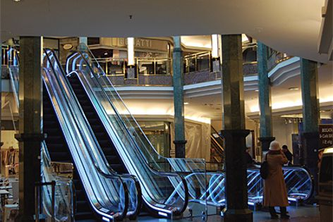 Optional fall protection can be fitted to ThyssenKrupp escalators and moving walks.