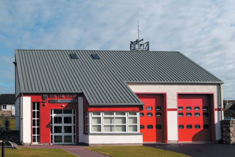 Kingspan panels - an ideal roofing solution for the Naas fire station in Ireland's County Kildare.