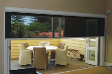 Issey Flyloc retractable screens