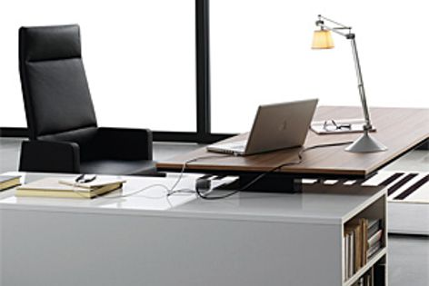 The Planeta desk system is available in a range of colours.