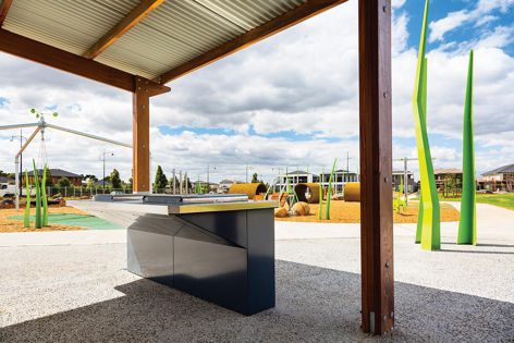 A new recreation reserve in Roxburgh Park, Victoria, features a range of Stoddart's Town and Park street furniture solutions.