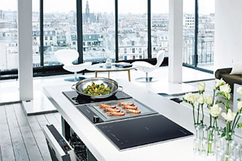 Professional Domino cooktop series by De Dietrich can be configured to accommodate individual needs.