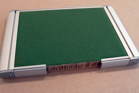 X-Board Kraft saves 70% of the weight of formaldehyde-filled, heavy-weight MDF board.