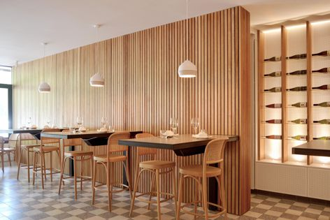 The Alpha Panel from Wainwright Facades was used at XO Restaurant in Canberra. Architect: Capezio Copeland.